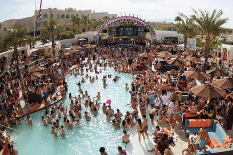 DAYLIGHT Beach Club Las Vegas at Mandalay Bay Swimming Pool With People