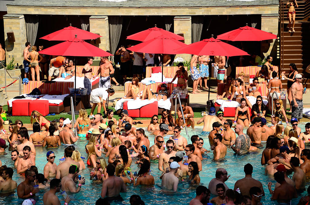 Palms Pool & Dayclub Las Vegas Pool with People