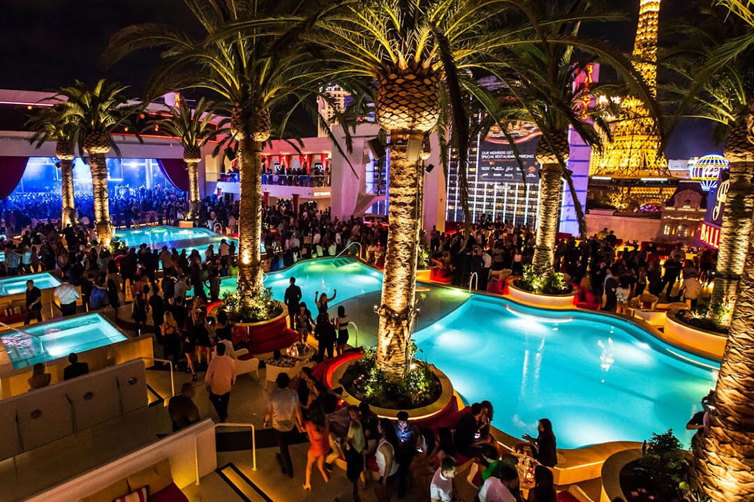Drai's Nightclub Las Vegas Pool at Night