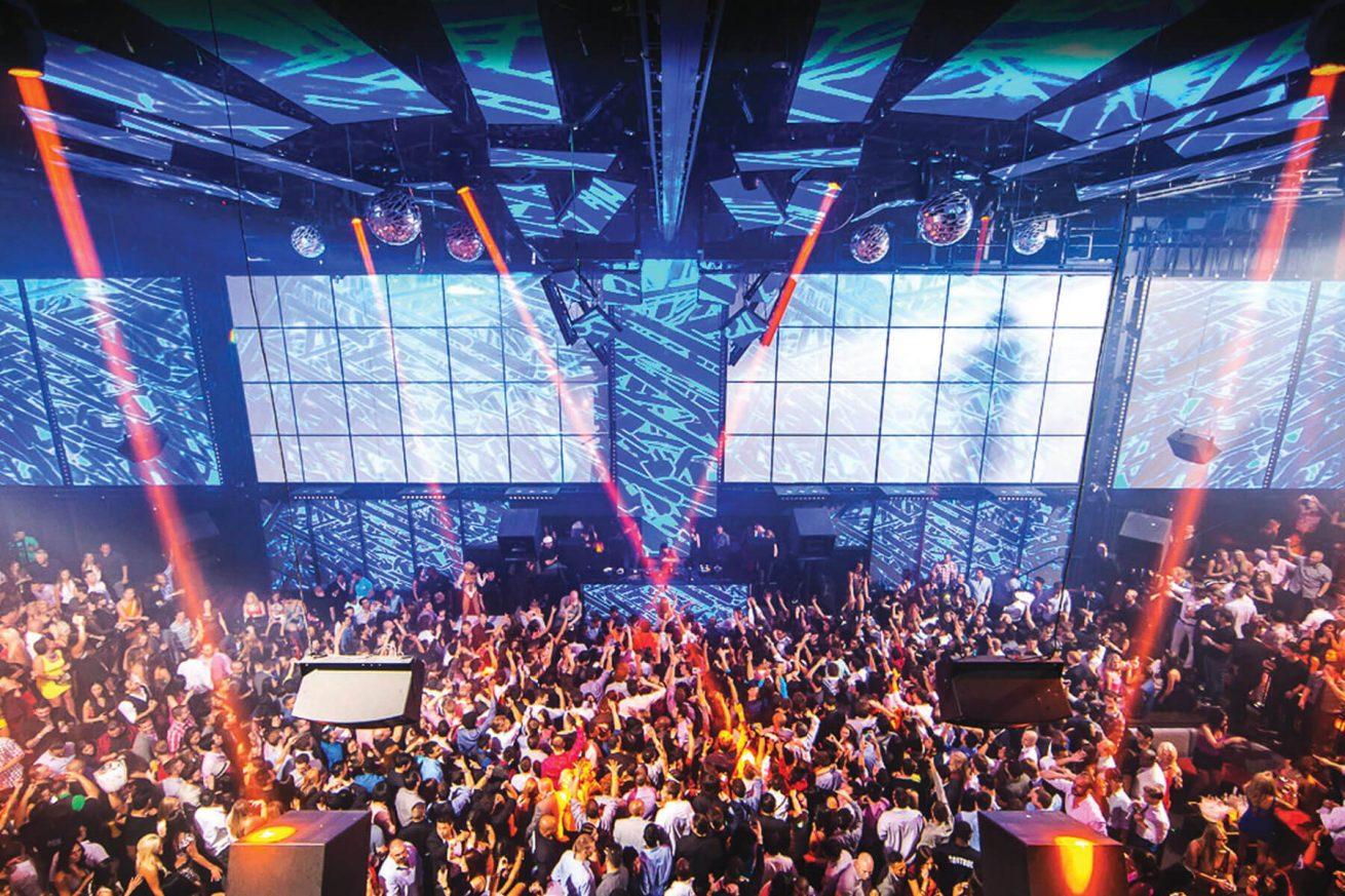 LIGHT Nightclub Las Vegas Dance Floor Packed with People